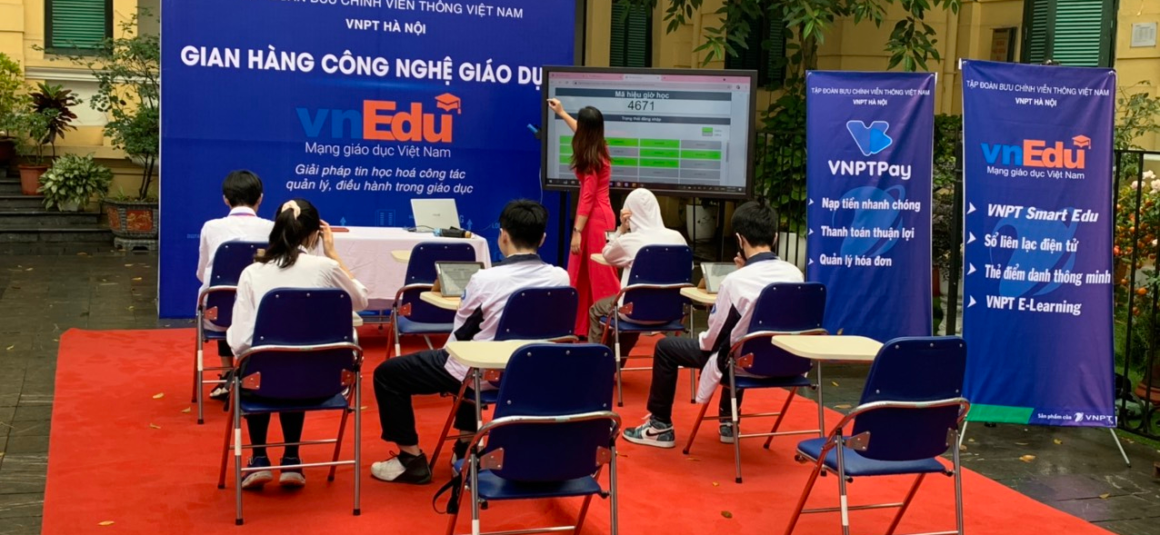 Information Technology Day of education sector in  Hoan Kiem and Ba Dinh Districts